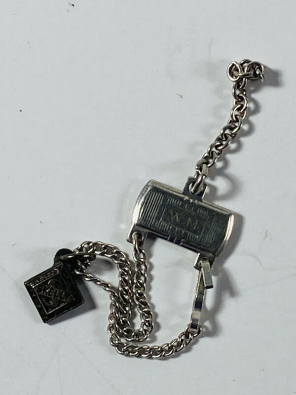 Vintage UNUSUAL Skelly Oil Gas Advertising Chain Fob clip