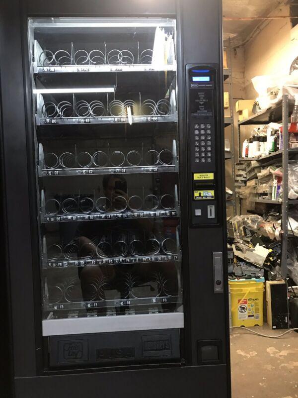 National 158 Snack Machine