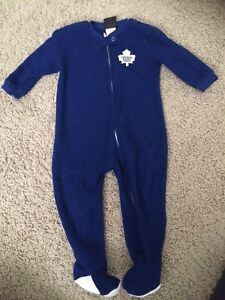 Toronto maple leaf sleeper