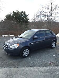 2010 Hyundai Accent LOW KM