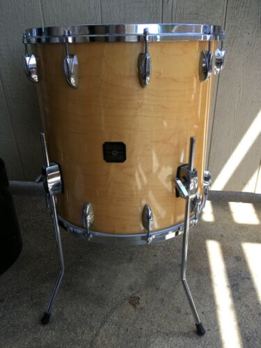 VINTAGE 1981 GRETSCH 18X18 NATURAL MAPLE FLOOR TOM DRUM.   EXC++