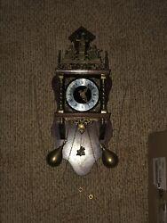 Dutch Atlas NU ELCK SYN SIN 8 Day wall clock, walnut case, brass works, Chimes