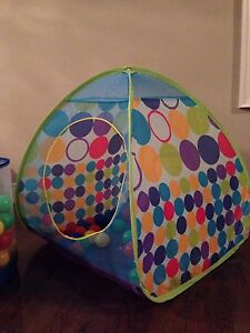 Toddler multi-colour tent full of balls with bag