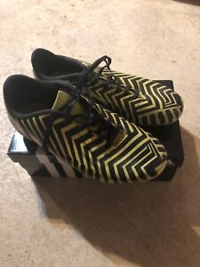 Messi Invader Outdoor Soccer Cleats Size 6