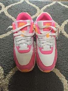 Nike air max. Y7 or women's 8.5