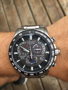 Montre citizen eco drive en titane