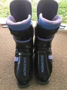 Snow Ski boots, Salomon womens size 25.5 (approx size 9) Brighton Bayside Area Preview