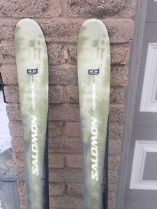 Downhill Salomon skis  175 in excellent condition