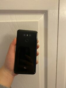 LIGHTLY USED LG G6 WITH FREE SD CARD