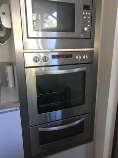 Oven and microwave