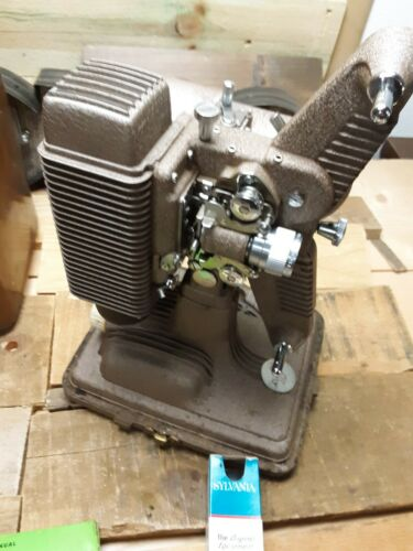 Revere Model 85 Vintage Projector With Case