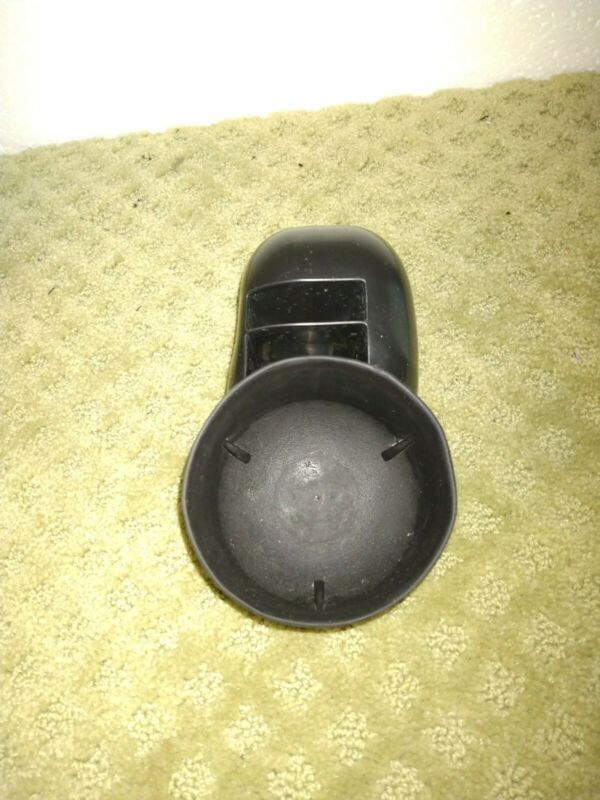 Safety 1st Everfit 3 in 1 or Grow and Go car seat... Cup holder only, left side