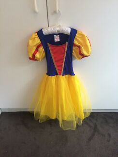 Girls Snow White Costume ages 4-6yrs