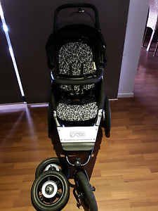 Mountain buggy terrain running pram Upper Coomera Gold Coast North Preview