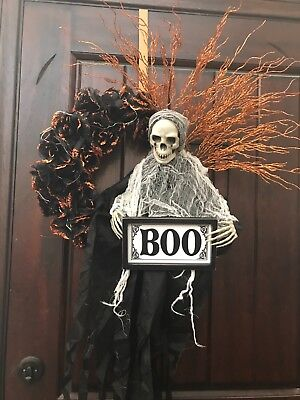 Large Lighted Ghoul Halloween Wreath