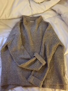 4 knitted sweaters for 20$