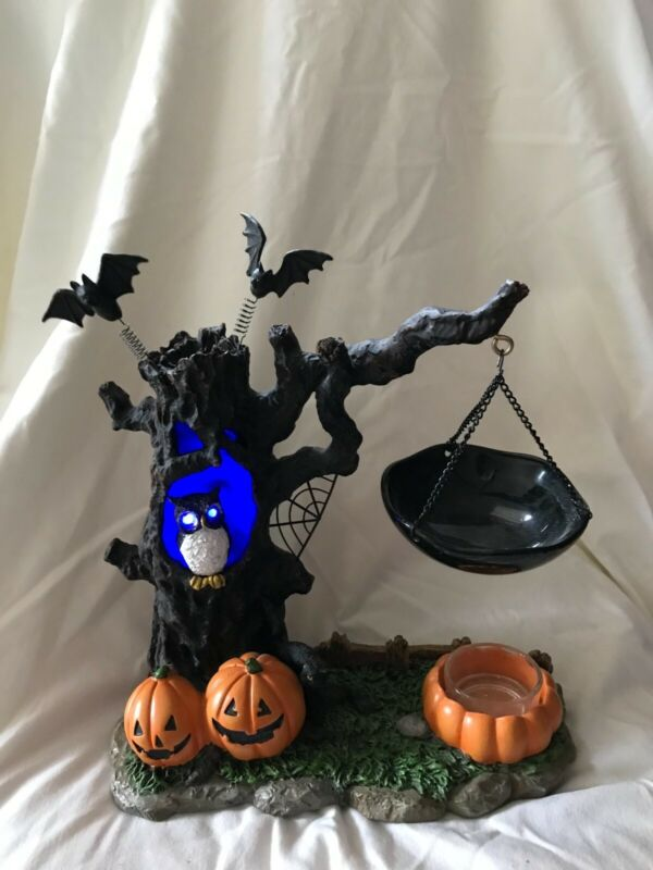 Yankee Candle Halloween Tree with color-changing lights Tart Warmer
