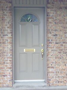 Porte d'acier et fenêtre