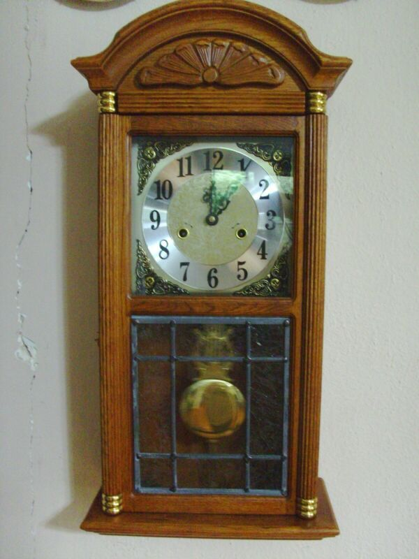 "D & A key wind wall clock, beautiful leaded window, 25"" x 12"" x 6"" C & O"