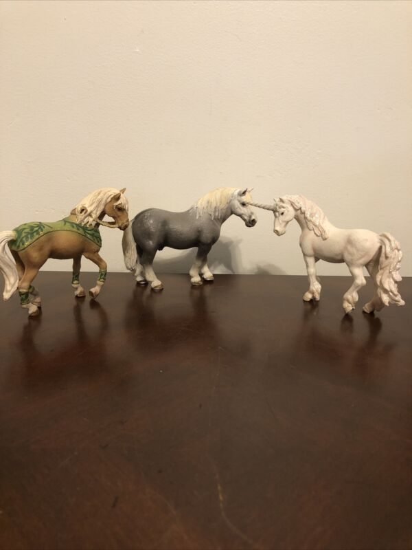 Schleich Horse And Unicorn Lot Of 3