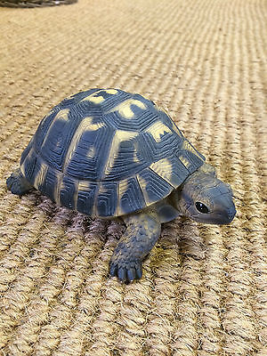 True to life tortoise , small turtle , Tortoise garden statue Tortoise figurine