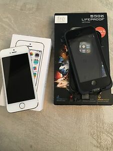 iPhone 5S (16Gb) with Lifeproof case