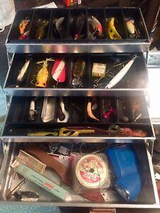 Vintage Lures & Vintage Tackle Box & Flashlights