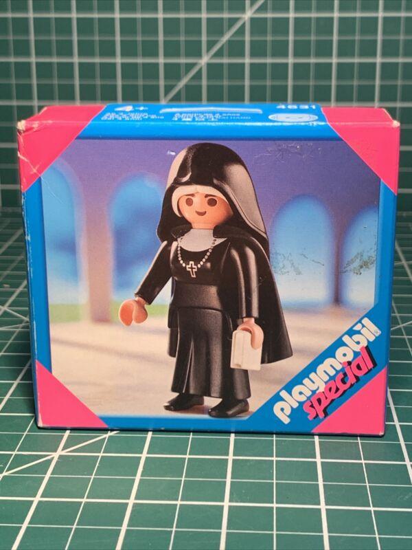 Playmobil Special 4631 Catholic Nun ( New) USA VENDOR