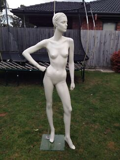 Mannequin female Parkdale Kingston Area Preview