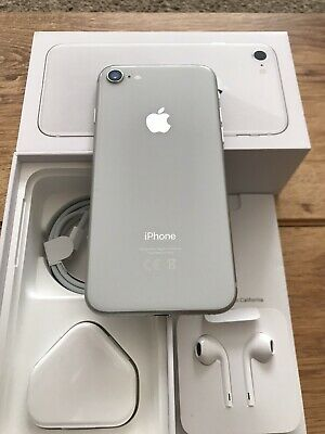 Apple iphone 8 - 64gb Silver UNLOCKED IMMACULATE PRISTINE UNMARKED CONDITION !