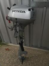 Honda 2.3hp outboard Port Douglas Cairns Surrounds Preview