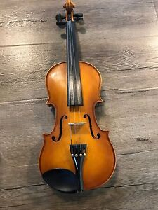Child's Violin with Bow and Hardshell Case