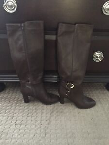 Size 7 brown leather boots