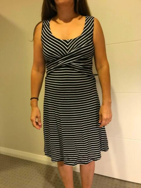 2c28ed3d8d4 Sleeveless crossover maternity dress - Size Medium