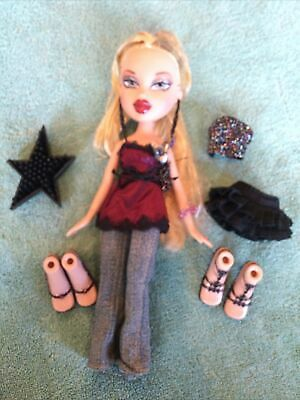 Bratz Doll Cloe- Step Out Clothes & Accessories