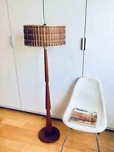 GORGEOUS SOLID TEAK LAMP MID CENTURY MODERN VINTAGE LIGHT