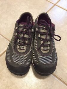Merrell barefoot  women's size 6
