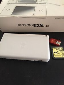 Nintendo DS Lite Cranbourne East Casey Area Preview