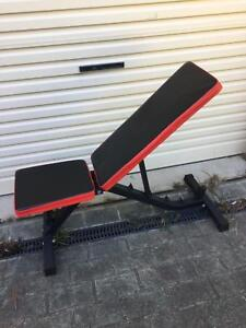 Incline bench press. Good condition