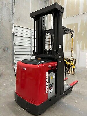 Raymond 2015 Order Picker 540-opc30tt Low Hours Official Refurbished Wcharger