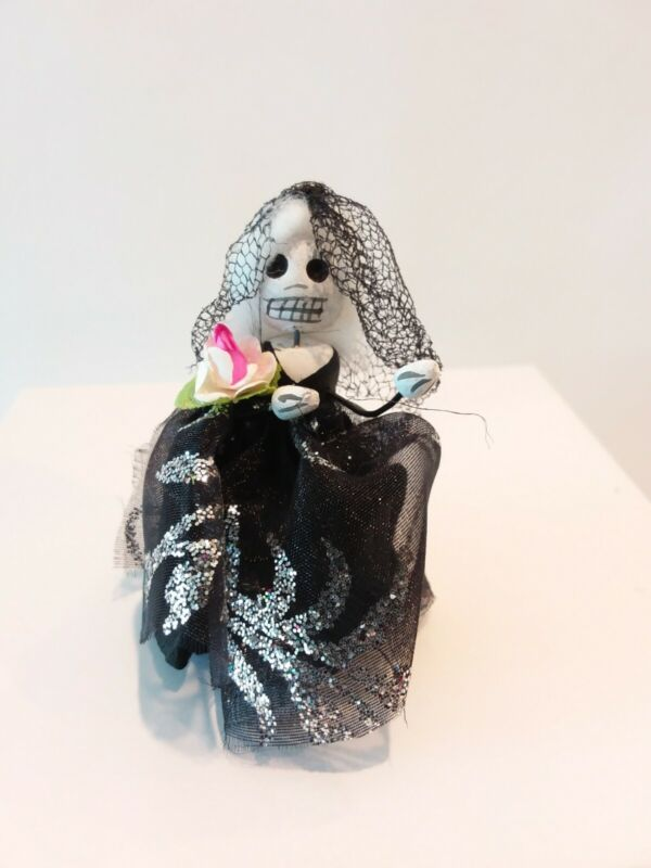 Day Of The Dead Skeleton Figure Lady Bride Made in Mexico Dia De Los Muertos