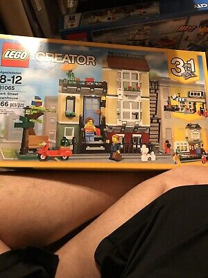 LEGO 31065 Creator (3-in-1) Park Street Townhouse - 566 pcs - New & Sealed