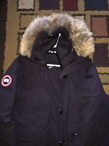 Canada Goose Jacket NEED GONE ASAP