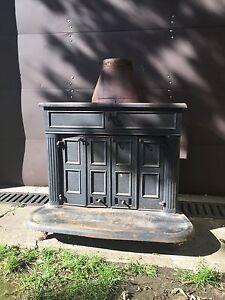 261 St. Franklin vintage Woodstove