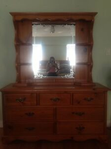 6 PEICE SOLID PINE BEDROOM SUITE!