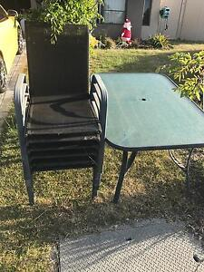 Free garden table and chairs Rockingham Rockingham Area Preview