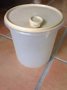 Tupperware 5 Ltr Container Woombye Maroochydore Area Preview