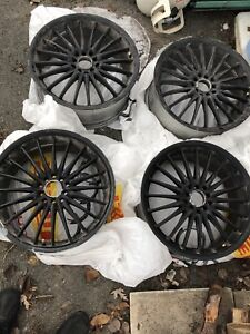 Black mags 18 inch 5x114.3 universal