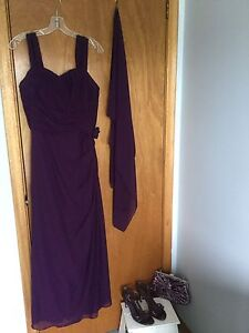 """Long """"mother of the bride"""" dress with accessories"""