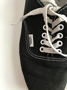 Black and white vans NEED INSOLES  Cambridge Kitchener Area image 2